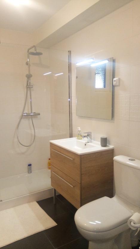 Salle de bains plombier La Tour de Salvangy