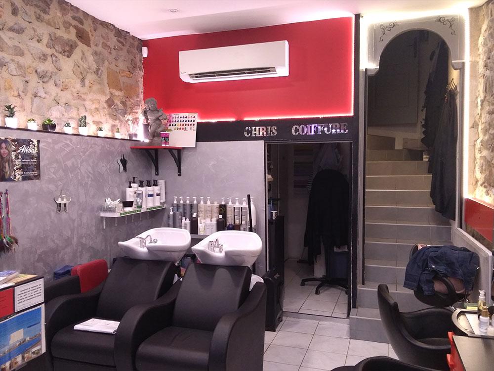 L'Arbresle, PANASONIC Climatisation Chauffage d'un salon de coiffure. Unité intérieur Blanche