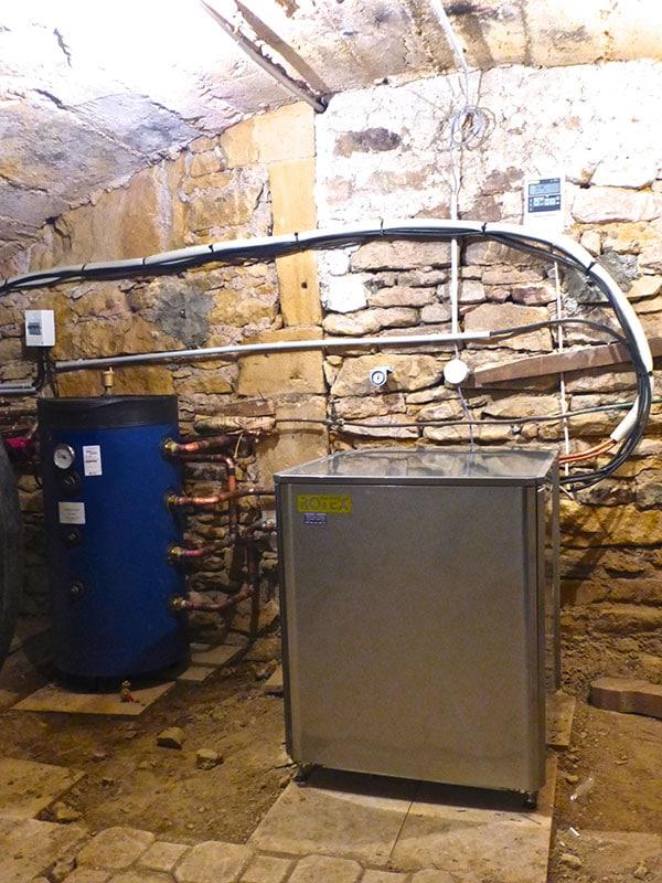 Saint Germain Nuelles, Pompe à Chaleur Haute température ROTEX Relève chaudière Fioul ATLANTIC